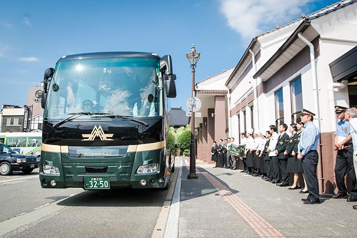城崎温泉駅始まって以来の熱気、人口の2割が駅に集合!?