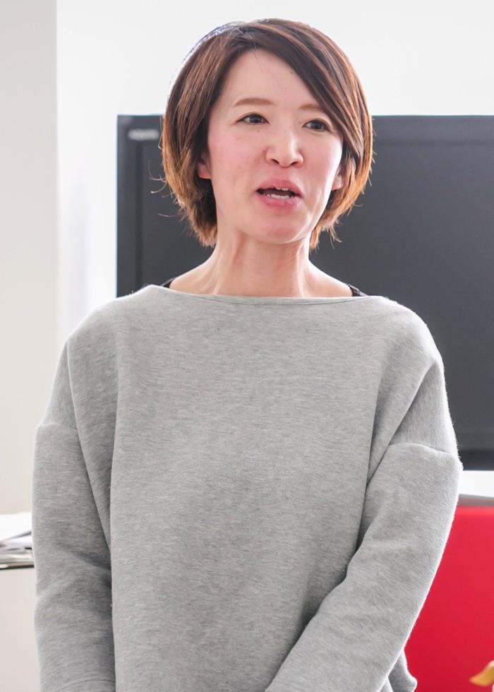 五荘小学校金管バンド指導補助の逵直子さん